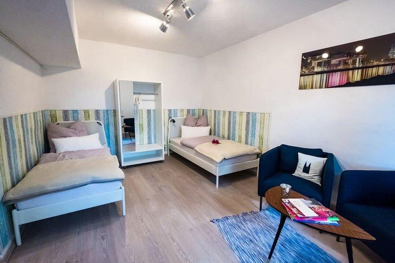 Schöne messe- und stadtnahe Ferienwohnung, holiday rental in Cologne