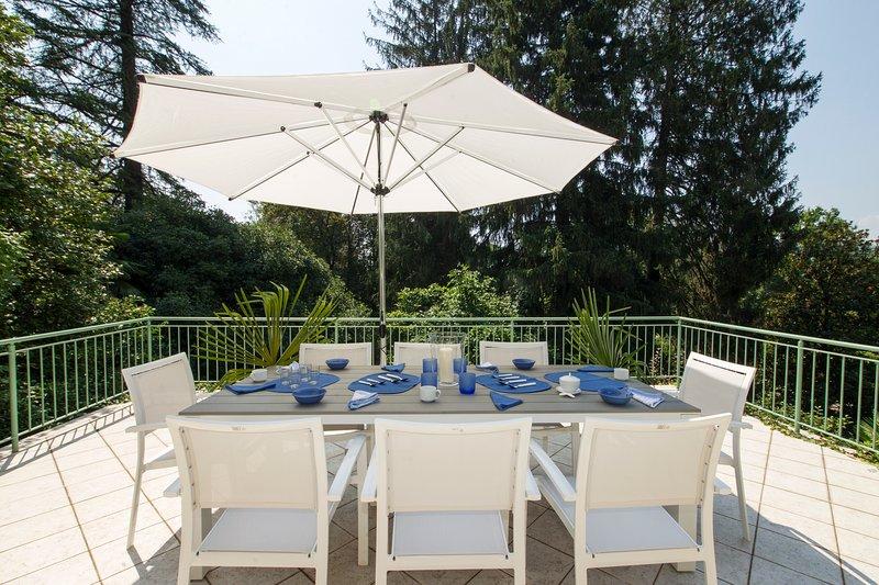 Villa La Terrazza nel bosco, vacation rental in Laveno-Mombello