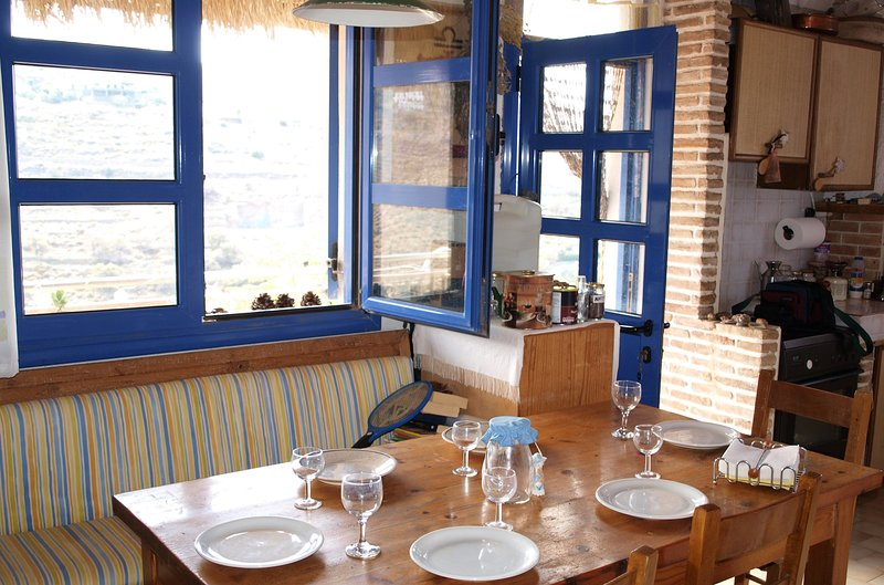 Beautiful apartment with sea view – semesterbostad i Otzias