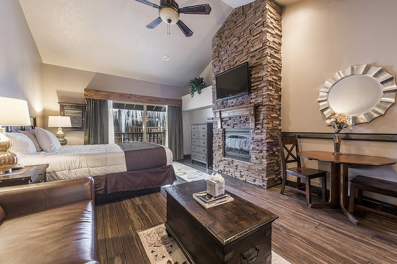 Park City Studio w/ Pool Access - Bus to Main St! Chalet in Park City