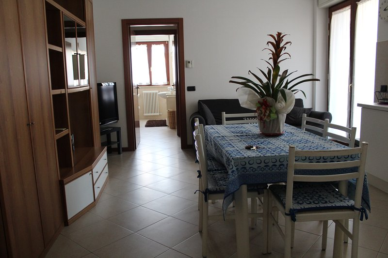 HERCULES IN APARTMENT IN THE CONTEXT OF SEGRATE CENTER, 10 MINUTES FROM MILAN!