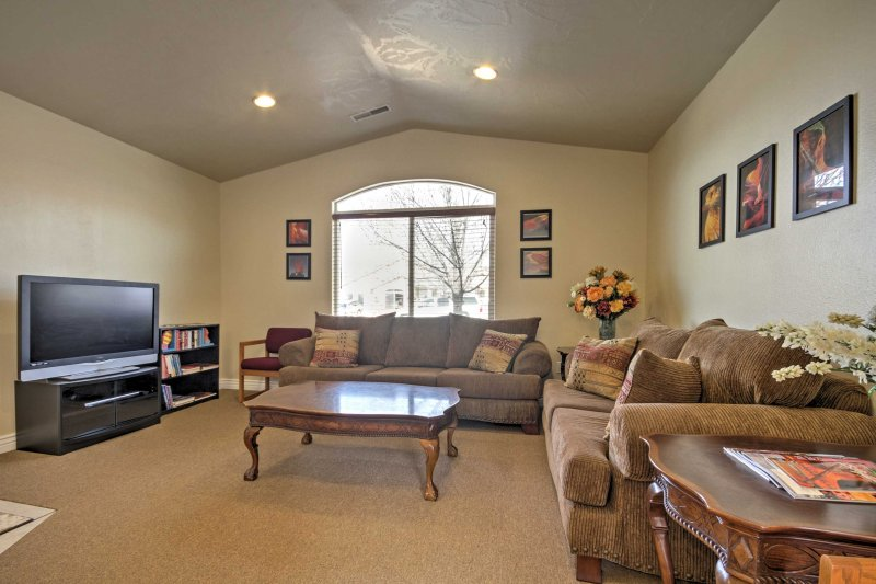 Home w/Free Parking in Springdale - Access to Zion, holiday rental in Toquerville