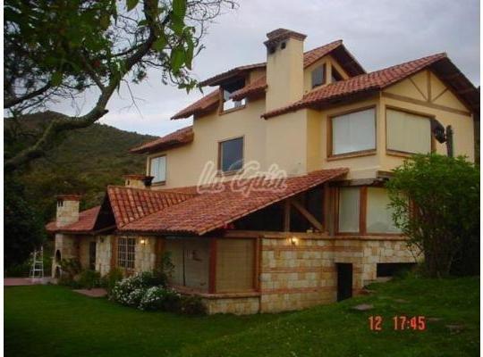 Lindísima Cabaña en Tocancipa sobre la montaña a 50 minutos de Bogotá, aluguéis de temporada em Zipaquira