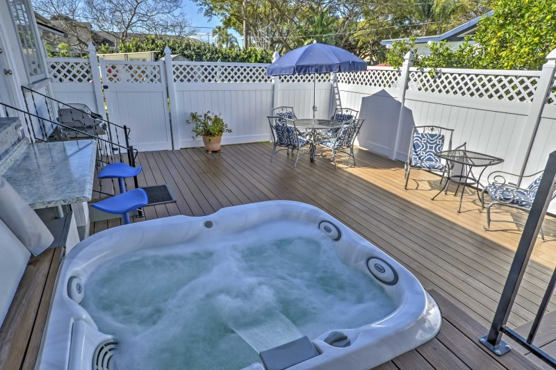A revitalizing vacation awaits you at this lovely abode.
