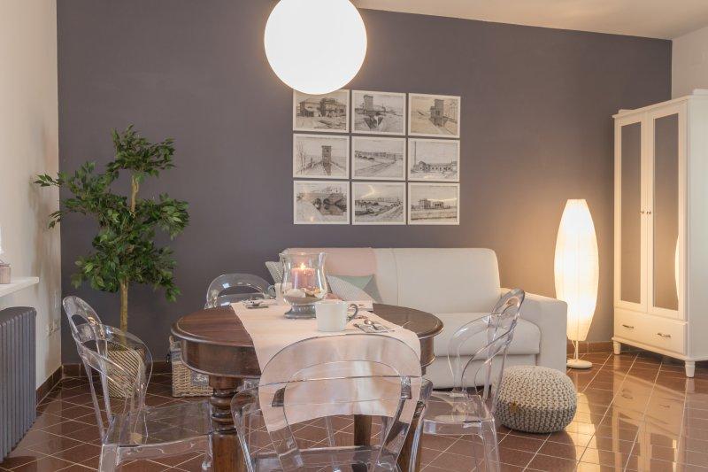 Attico con terrazza sul fiume Po- Palazzo Spada Appartamento Fenicottero Rosa, holiday rental in Crespino