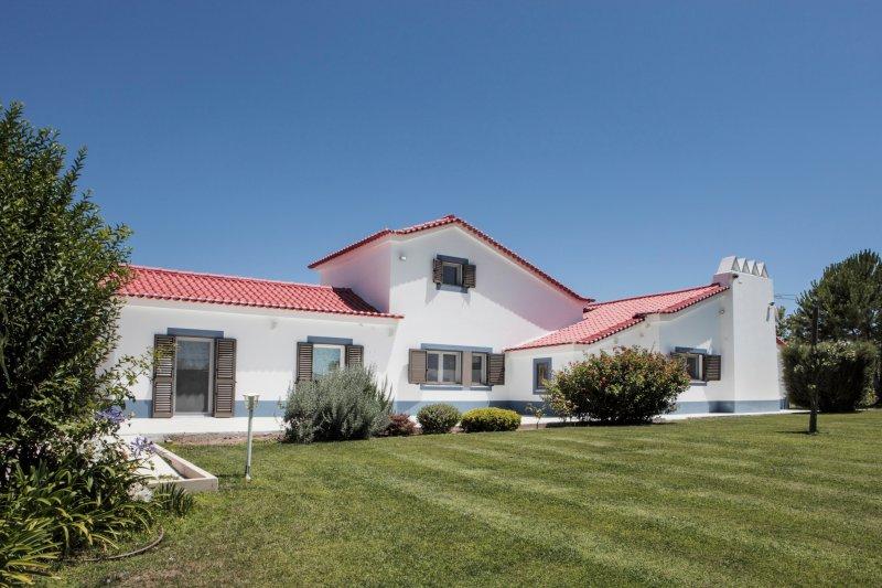 Monte Girassol - Casa de Campo, The Lisbon Country House, holiday rental in Vendas Novas
