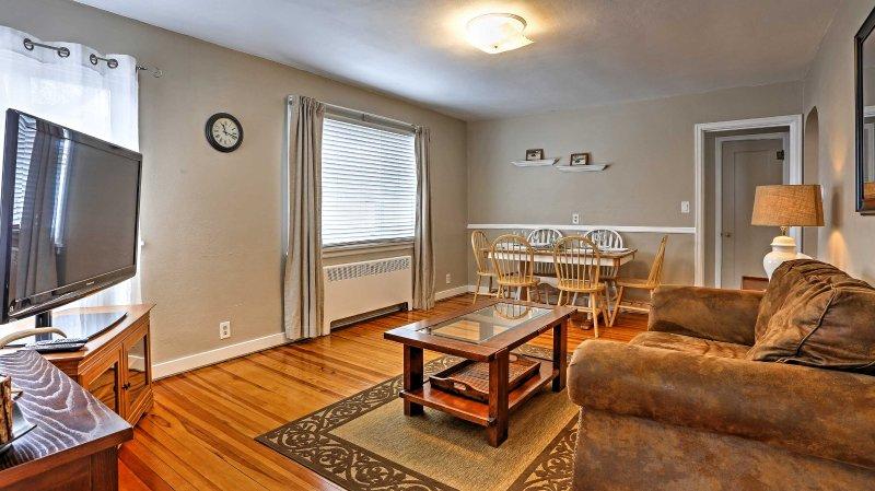 La casa dispone di 1.800 piedi quadrati di spazi confortevoli.