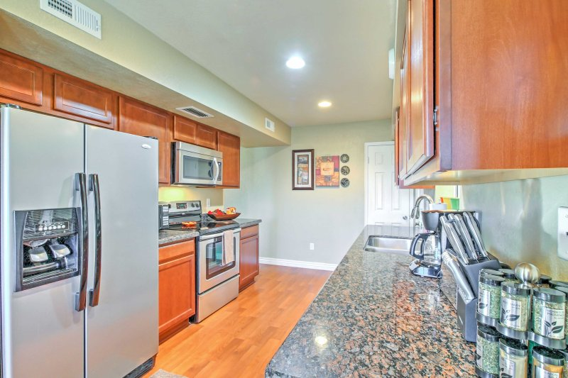 The fully equipped kitchen is stocked with all the necessary gadgets!