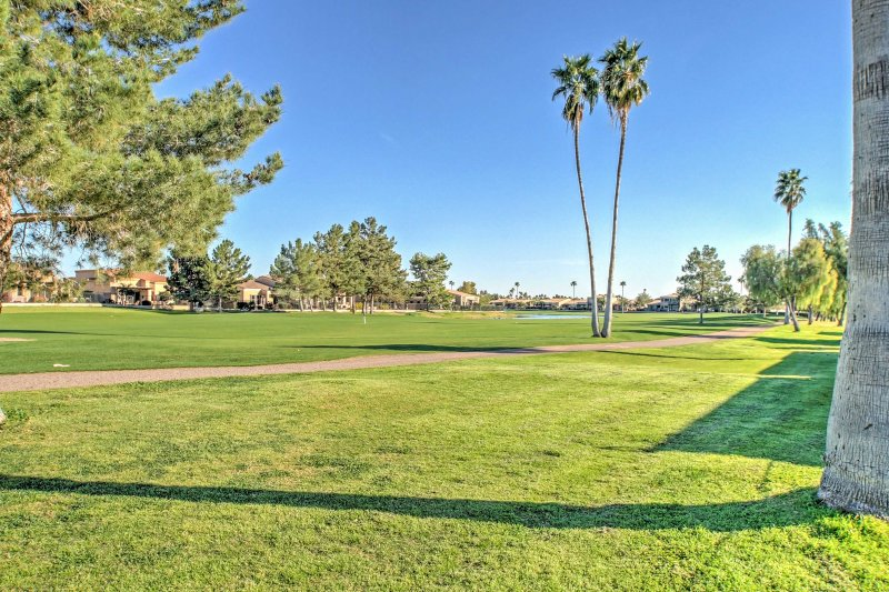 Near shopping, spring training, and golfing, this condo is the perfect Mesa retreat!