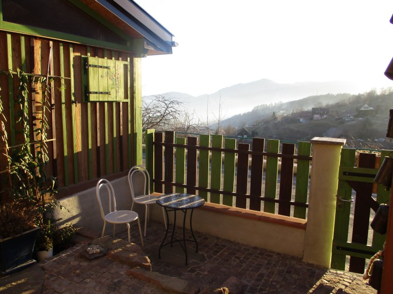 appartement en chambre d'hôtes Les Lupins 4 personnes, holiday rental in Husseren-Wesserling