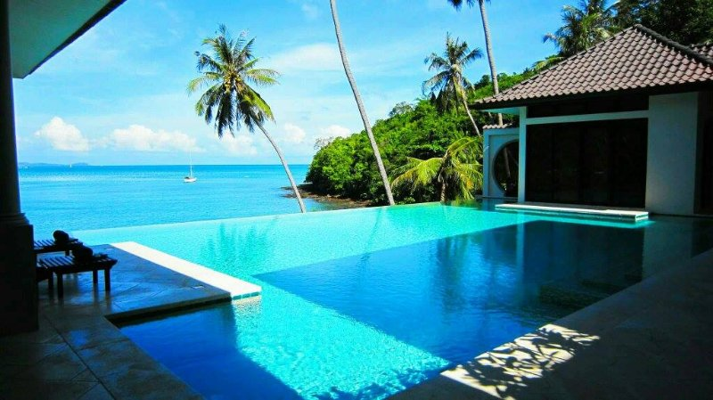 Beach Front Luxury  Unique  Hai Leng Villa  4 BEDROOM, casa vacanza a Cape Panwa