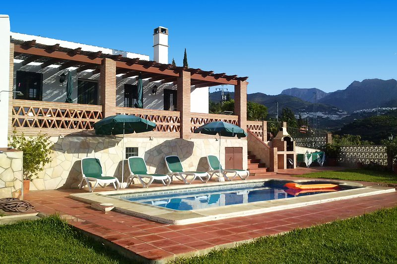 Holiday villa in Frigiliana with 3 bedrooms (020), holiday rental in Frigiliana
