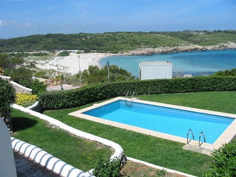 Apartamento al lado de la playa, location de vacances à Playas de Fornells