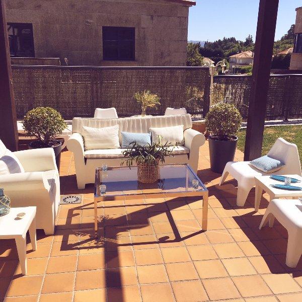Spacious villa with swimming-pool, vakantiewoning in Combarro