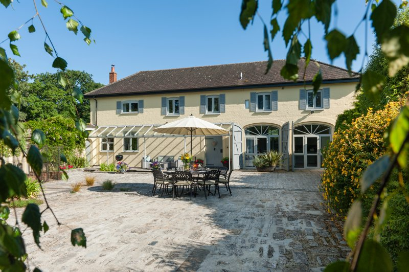 Coach House at Heathfield Estate in the New Forest, vacation rental in Burley