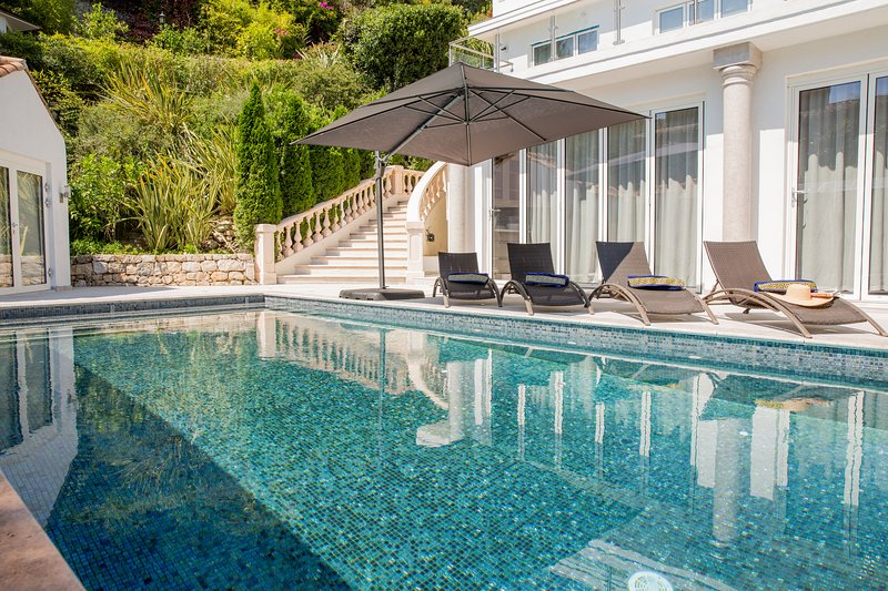 Villa Cap d'Antibes, holiday rental in Cap d'Antibes