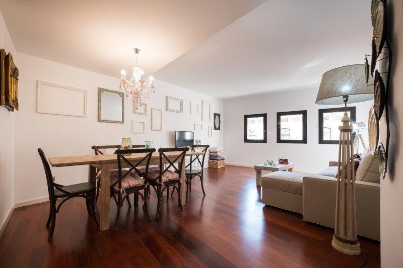 Luxury Central Rusiñol, vacation rental in Barcelona