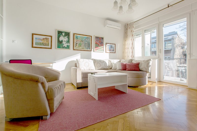 Cvetje - One bedroom apartment in the center with nice terrace, alquiler vacacional en Zagreb