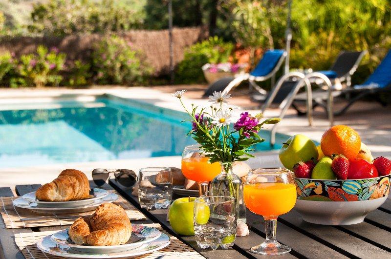 Vivienda vacacional con piscina y wifi, holiday rental in Santa Brigida
