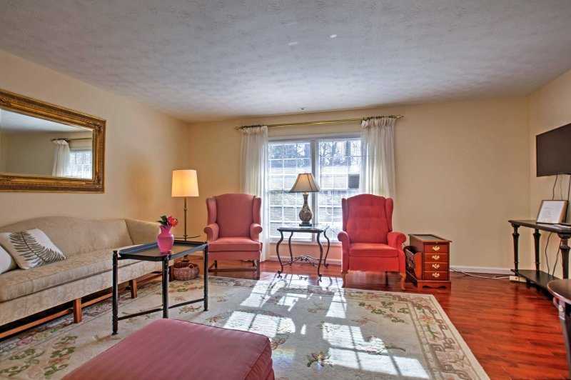 This Atlanta area home has accommodations for up to 8 guests.