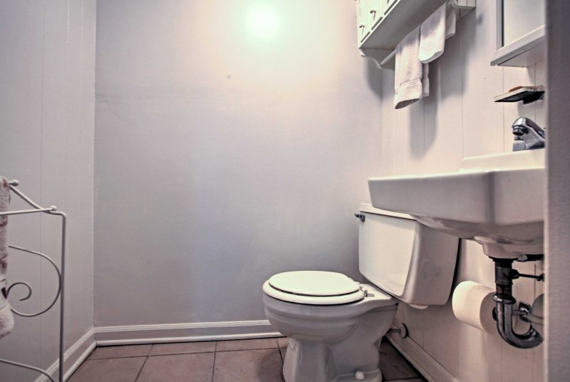 This townhome features 2.5 baths for all of your showering and bathing needs.