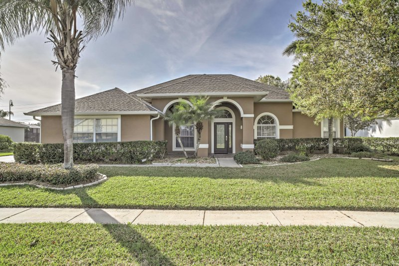 Enjoy the warm weather at this beautiful home just 25 minutes from Orlando!