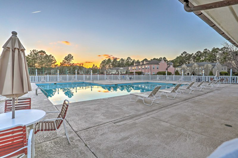 Up to 8 guests will enjoy access to the community pool, hot tub, and more.