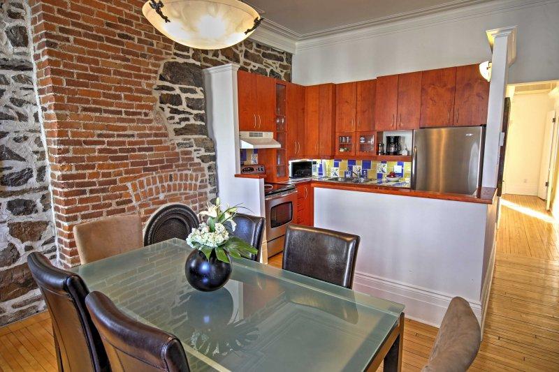 paredes de ladrillo y piedra a la vista crean un entorno único, mientras que la preparación de comidas.