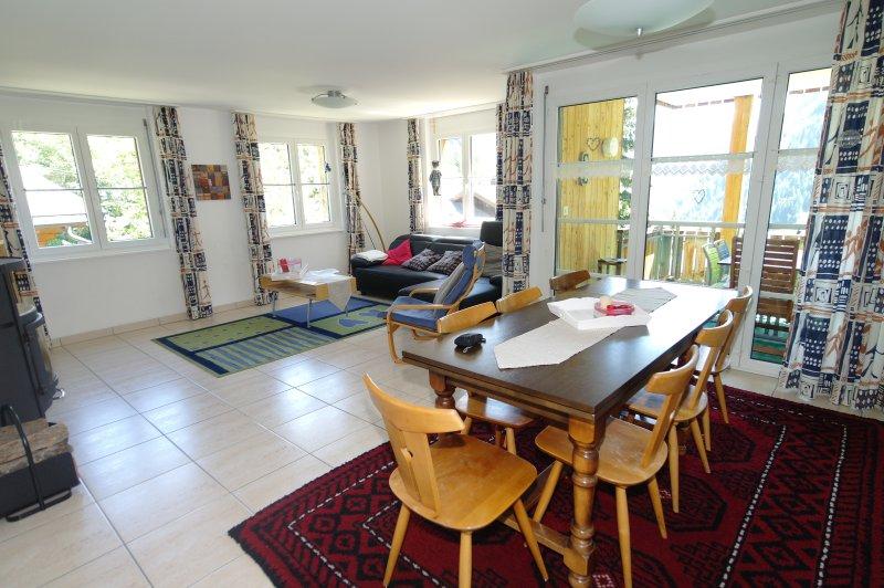 Ferienhaus zum Chrachu / Wohnung Ost, holiday rental in Blatten bei Naters