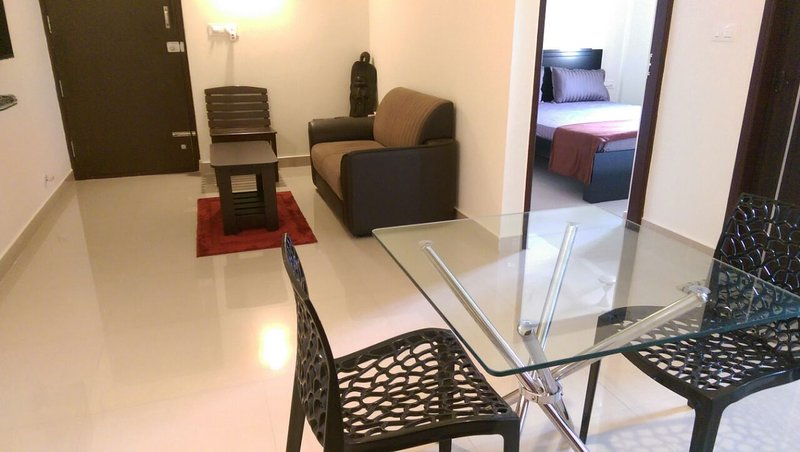 TRANQUIL SERVICED APARTMENTS - Spacious 1bhk with a Cozy Ambience, holiday rental in Bengaluru
