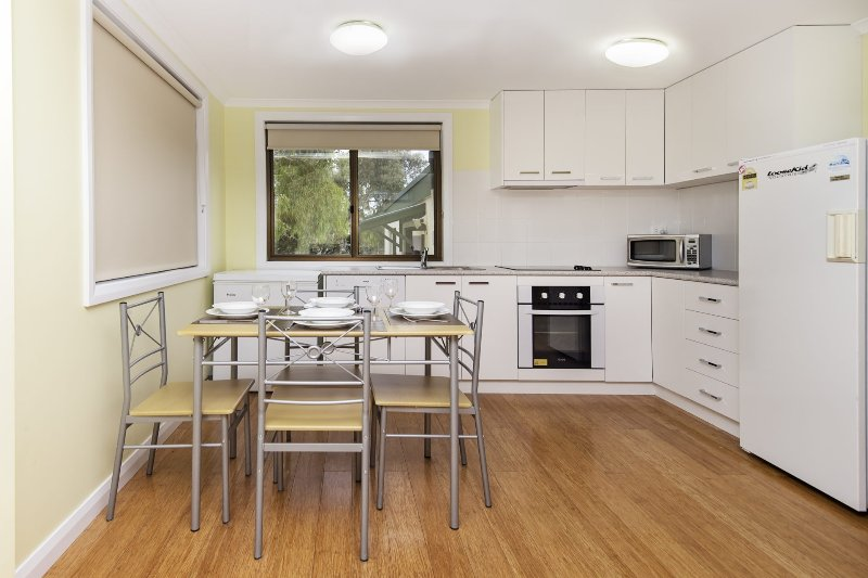 Max's Place 3 - 2 bedroom unit, holiday rental in Berridale