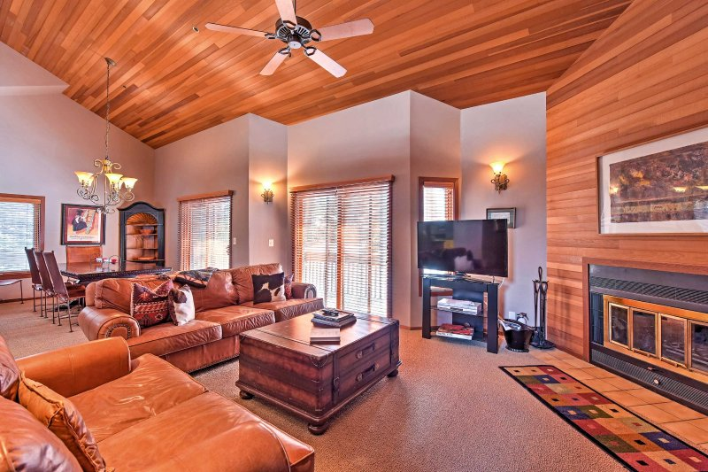 Let this stunning home serve as the foundation for your Park City holiday!