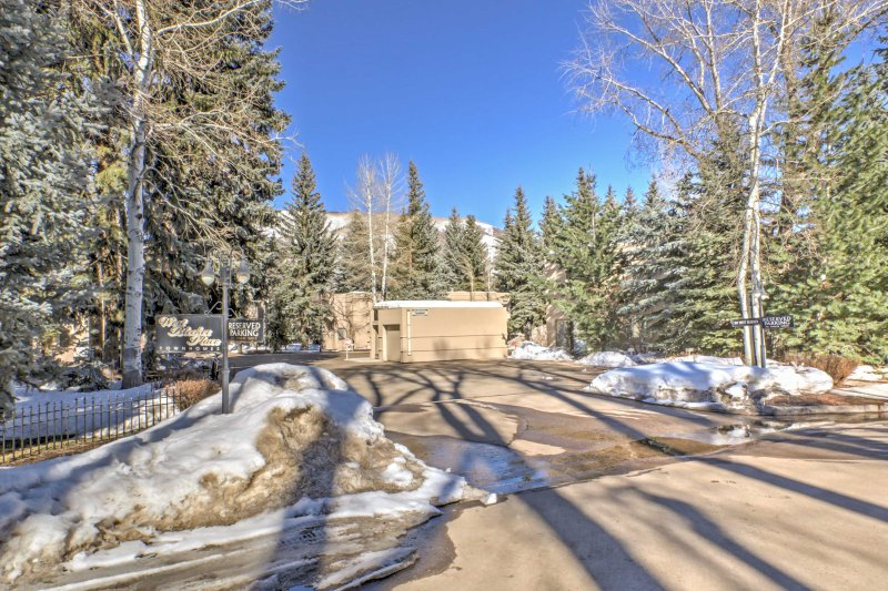 You're sure to have an unforgettable vacation at this Aspen townhouse!