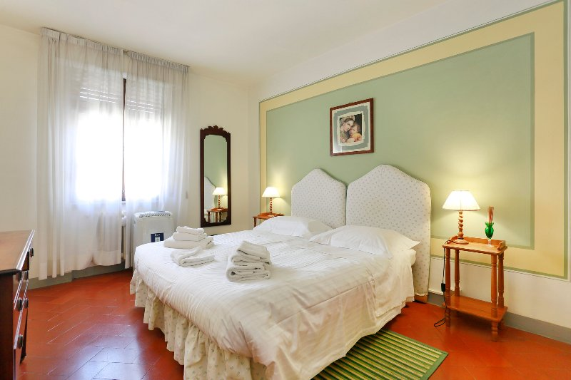 Small and charming little apartment in the heart of Florence, inside a Renaissance palace, 1 min. aw