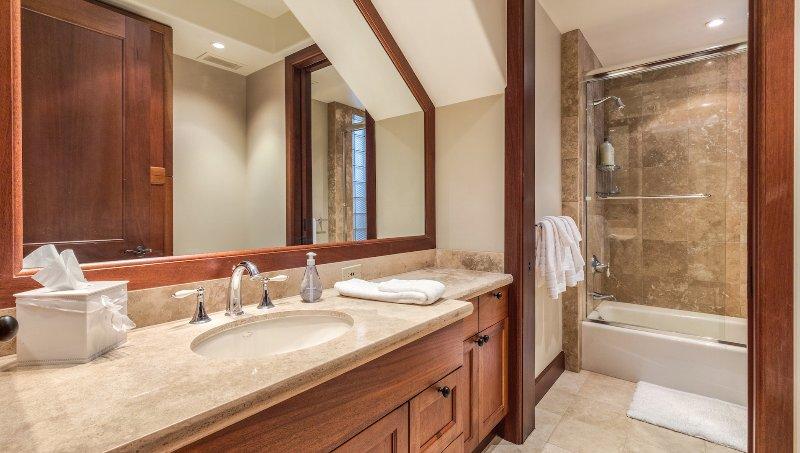 Secondo bagno, simile al terzo bagno.