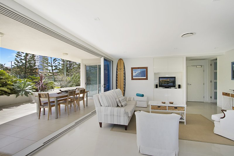 Neilson on the Park Unit 1A - Easy walk to beaches, cafes and shopping in Coolan, vacation rental in Currumbin