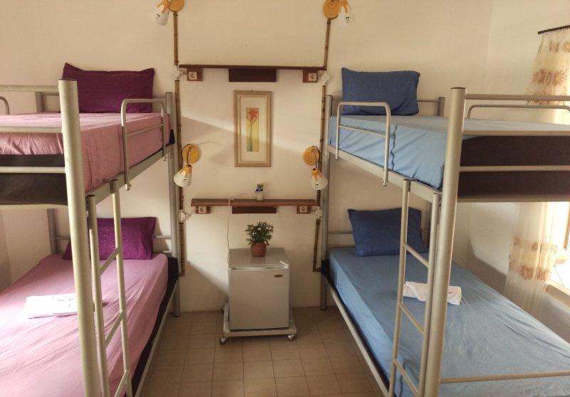Quadruple Bedroom with Garden View, holiday rental in Banguntapan