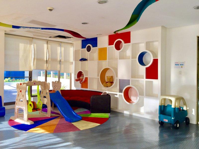 jouets et des aires de jeux Colorful