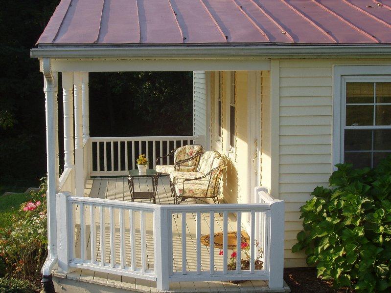 Charming Carrie's Cottage on stunning Fairhill Farm nestled against Blue Ridge, holiday rental in Ruckersville