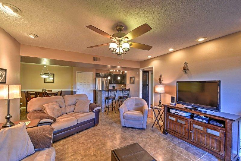 Mesa Condo w/Pool Access: Walk to Sloan Park & ASU, vacation rental in Mesa