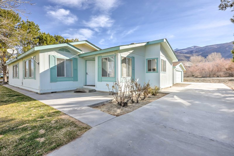 Escape to beautiful Owens Valley and stay at this charming 3-bedroom, 2-bathroom vacation rental house nestled under the White Mountains.