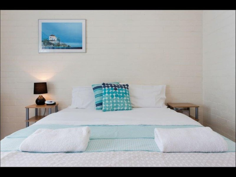 M1 Best location in Perth walk down St Georges Terrace, holiday rental in North Perth