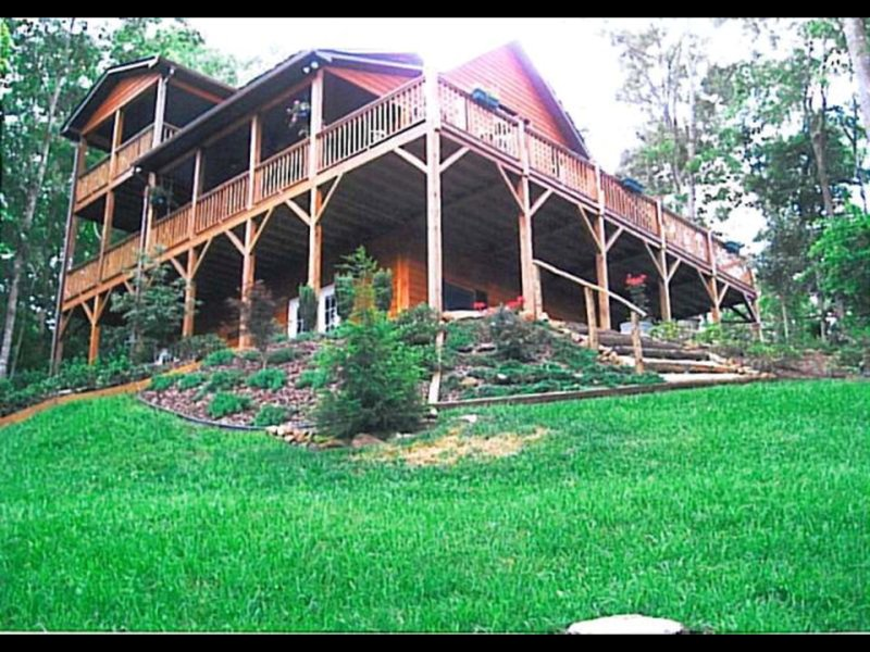 BEAR CLAW HOLLOW.  ELEGANT SPACIOUS CABIN!!!!!!!!!!!!!!!!!!