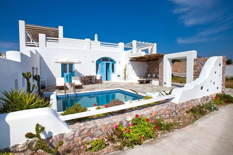 BlueVillas   Villa Zephyros   Private plunge pool, sea view, close to the beach, location de vacances à Vourvoulos