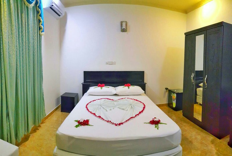Vieni Qua Grand is located in GN. Fuvahmulah, it takes 80 min from vela airtport, holiday rental in Maldives