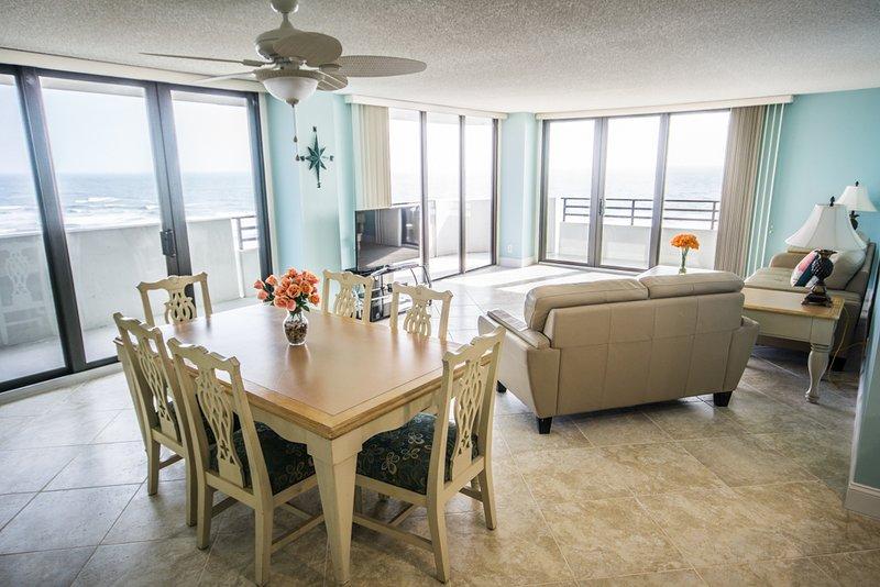 Oceanfront Getaway 3/2 12th floor at Horizons, holiday rental in Daytona Beach