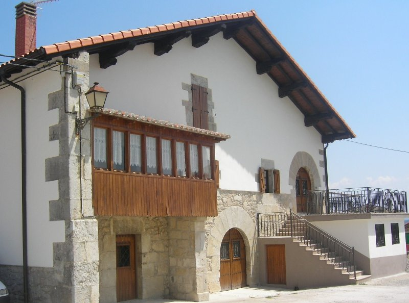 CASA RURAL LOPERENA, holiday rental in Arbizu