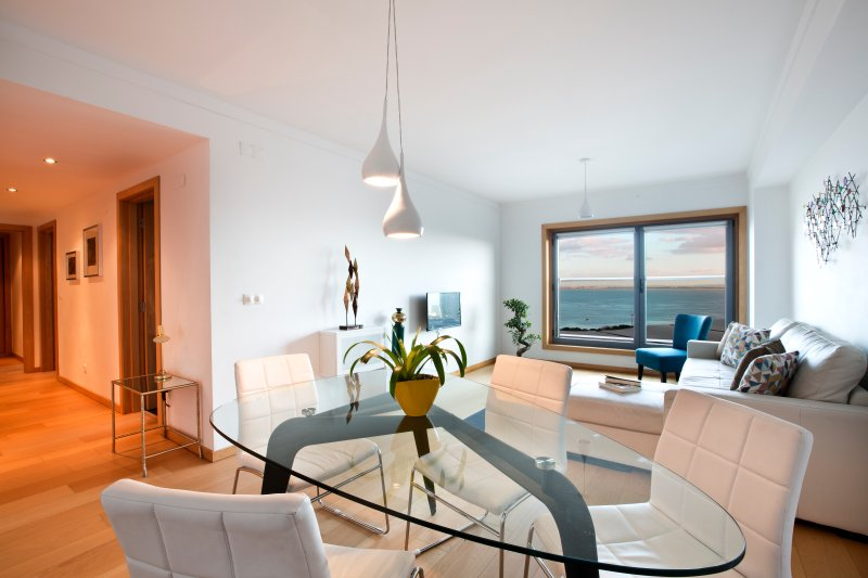 APT IN LISBON ORIENTE 57 | Apartamento com 2 Quartos e Vista Rio, Ferienwohnung in Alverca do Ribatejo
