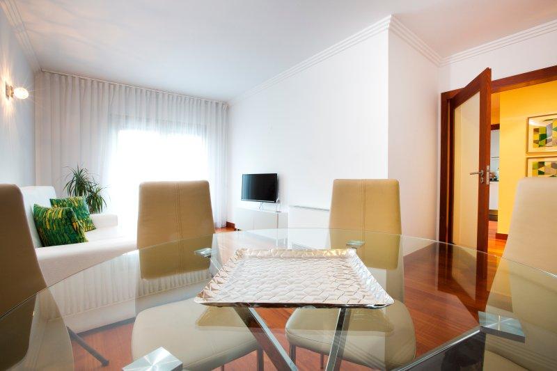 APT IN LISBON ORIENTE 25 | Apartamento com 1 Quarto, vacation rental in Montijo