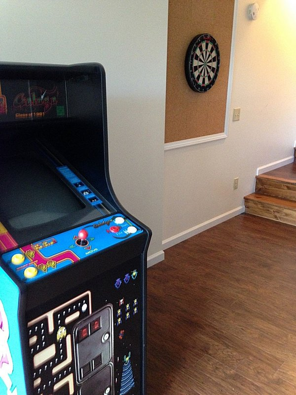 Enjoy our Ms Pac Man and Galaxy Arcade Game